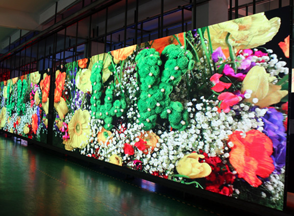 Advantages of front service led display